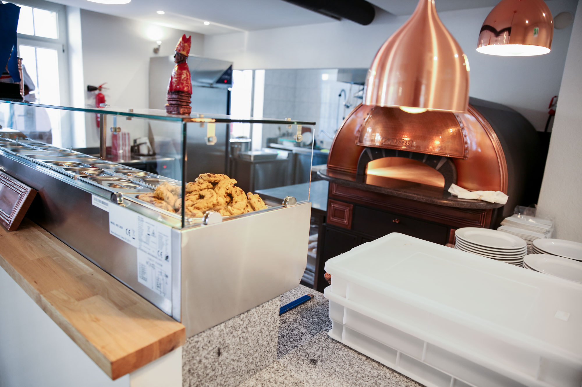 Ein Blick in die Küche von NA081 in Zürich